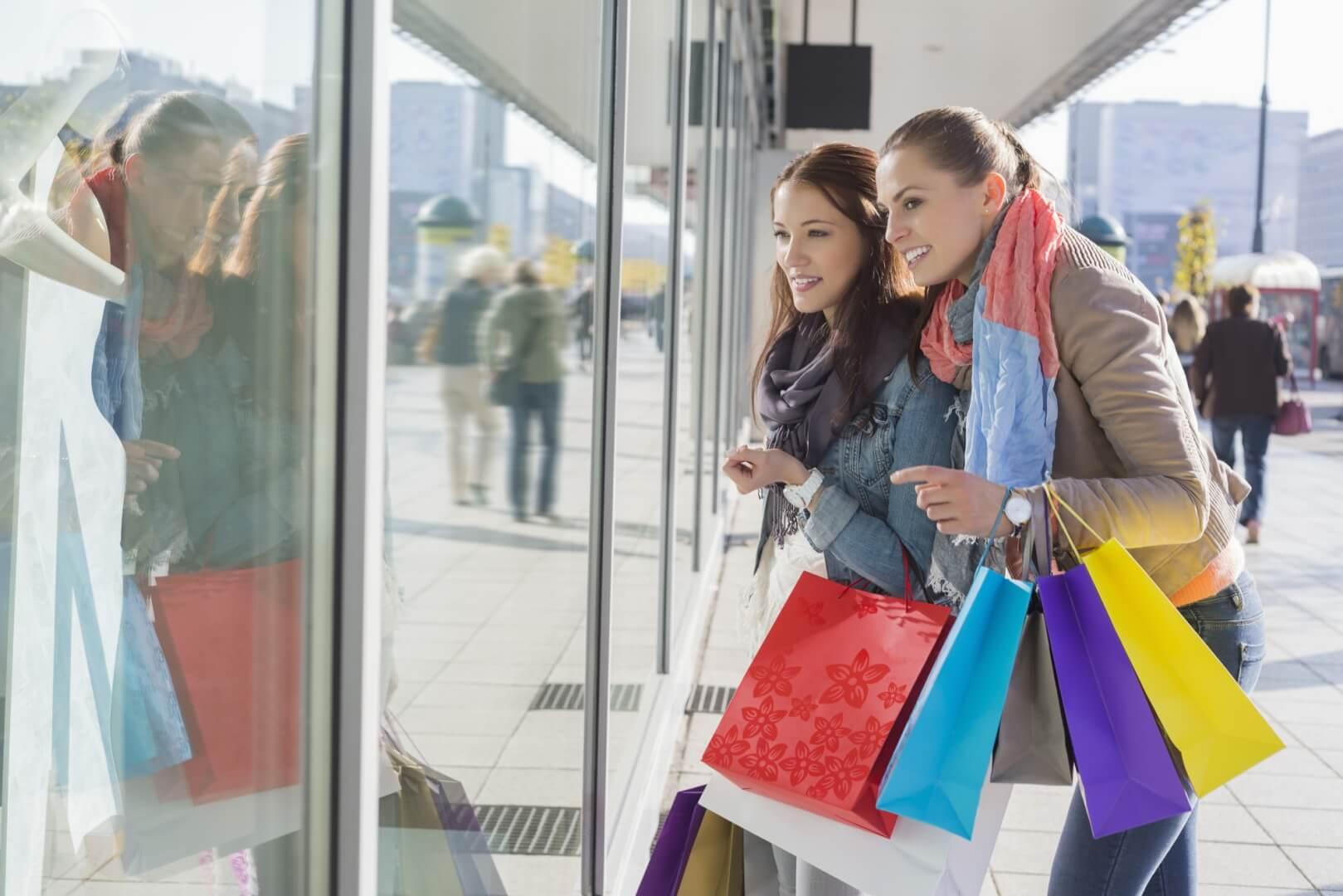 Veninder på shopping
