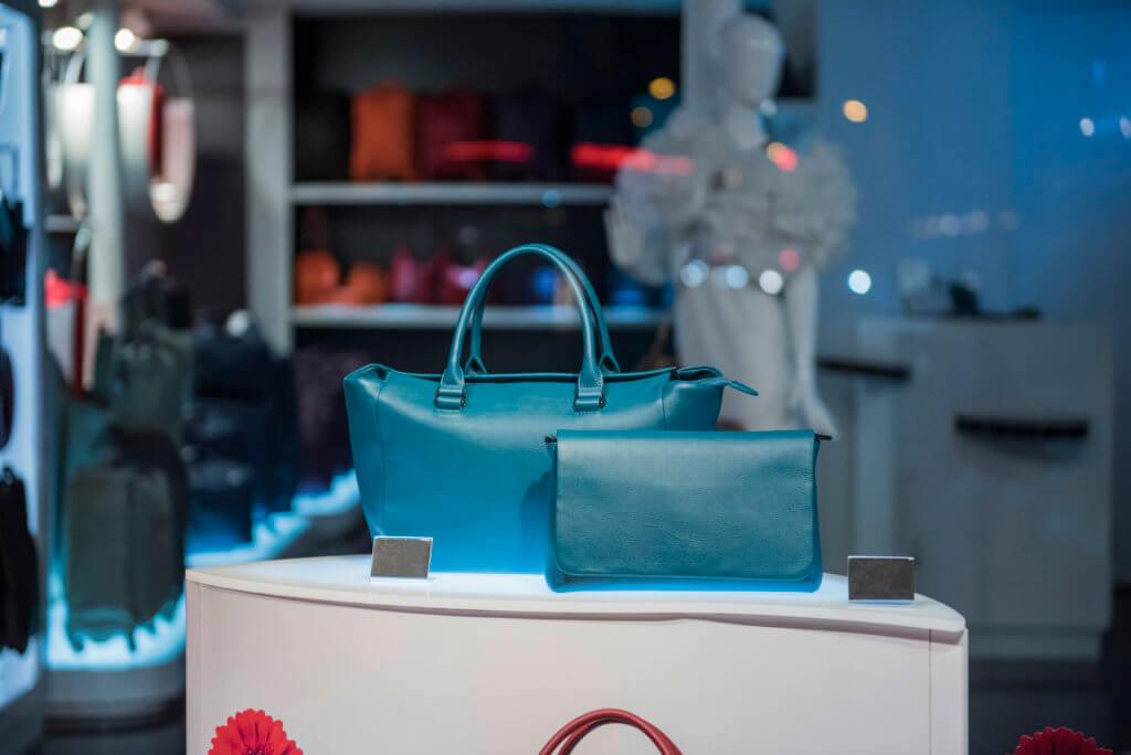 Tasker i butik