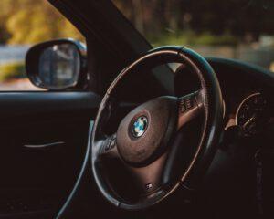 Køb din nye BMW med læder-interior på afbetaling